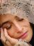 Rachel Comeyのブラウス、私物の指輪